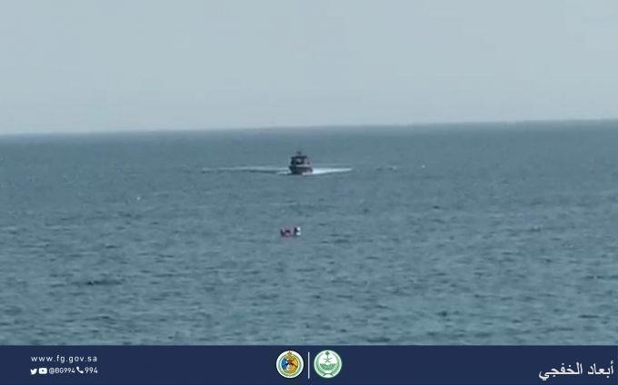 حرس حدود الخفجي ينقذ مواطنة كويتية في المياه السعودية