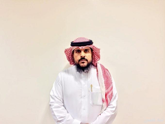 طاهر العبدالدائم يحصل على وسام الملك عبدالعزيز آل سعود